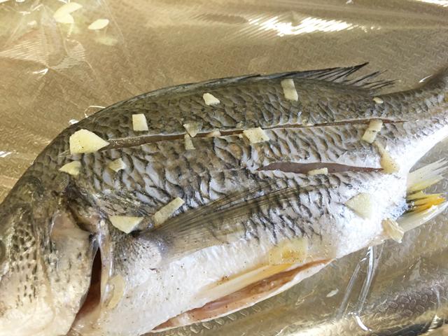 チヌ(クロダイ)料理アクアパッツァ