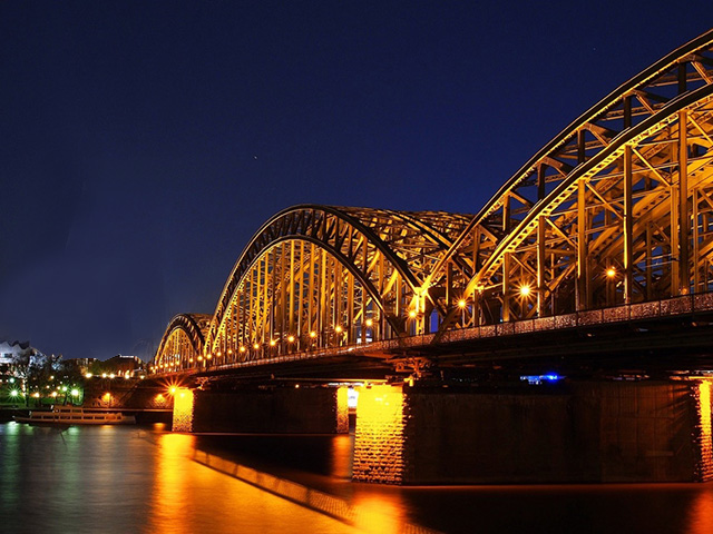 夜の橋脚周りシーバスポイント河川