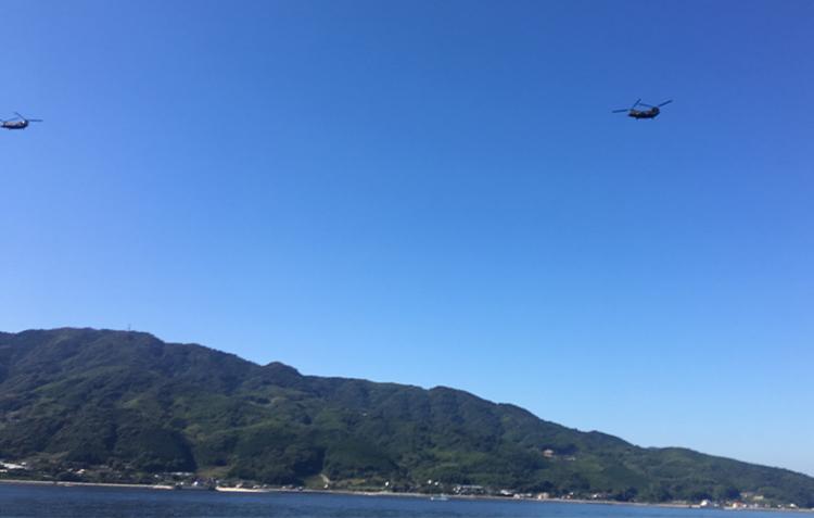 岩国沖で青物ゲーム中に上空を飛ぶ軍用機