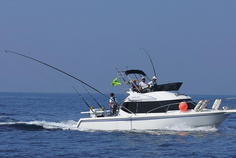 カジキ釣りボート